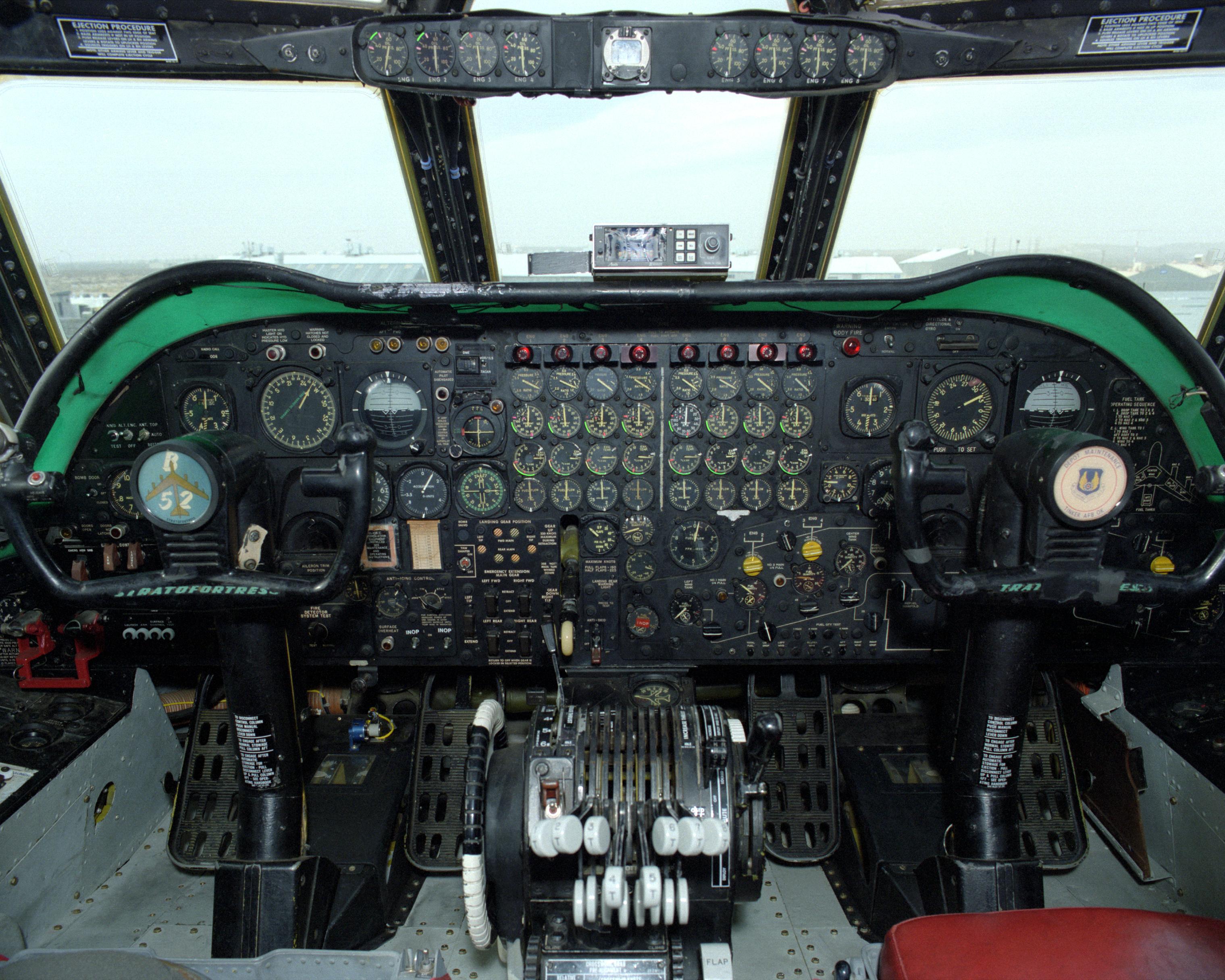 Cockpit Instrument Panel : B cockpit instrument panel cockpits