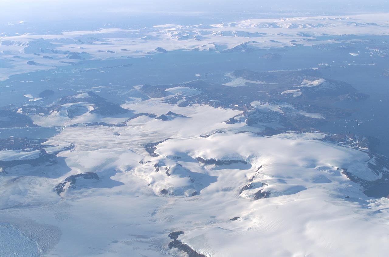 德拉瓦尔(DELAWARE)冰山脱离南极Larsen C冰架 - wuwei1101 - 西花社